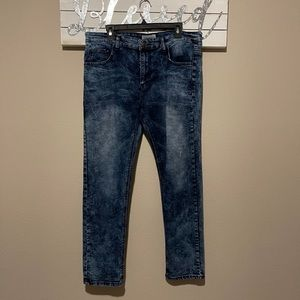 United Jeans - bleach wash skinny straight jeans
